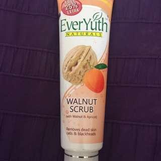 Ever yuth- walnut scrub
