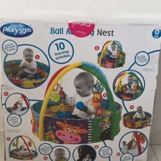 Playgym with balls