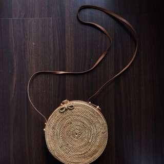 Bali round sling bag