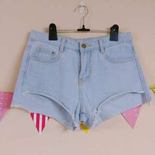 🚚 [全新] 淺藍牛仔捲邊短褲