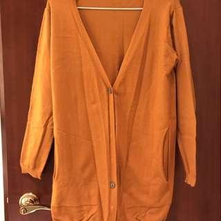 泥黃色長袖外套
