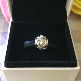 Pandora Wedding Knot Fresh pearl charm