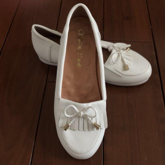 ✨(全新)白色平底鞋(含運)