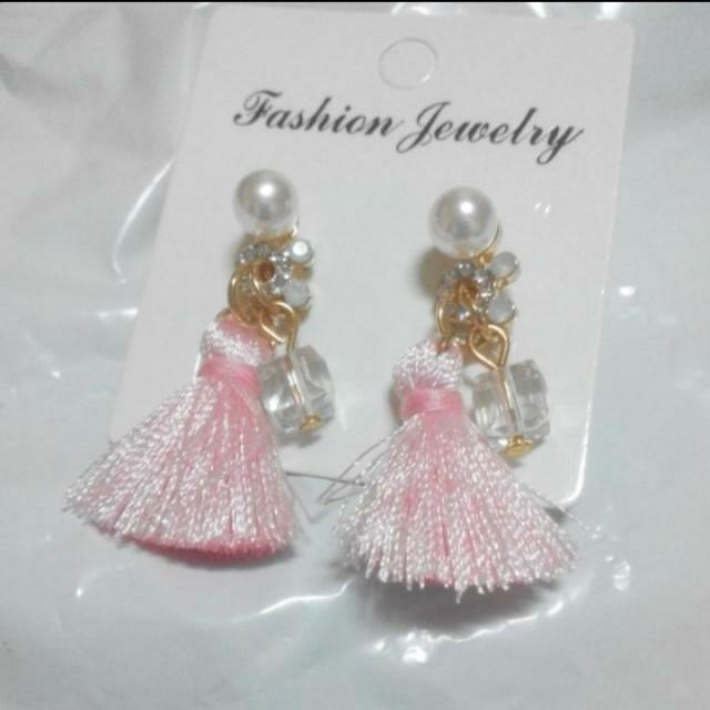 韓版時尚水晶珍珠白流蘇 *No* 對稱氣質耳環               #聖誕禮物  #交換禮物  #手滑買太多