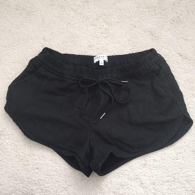 Aritzia Community Habitus Shorts