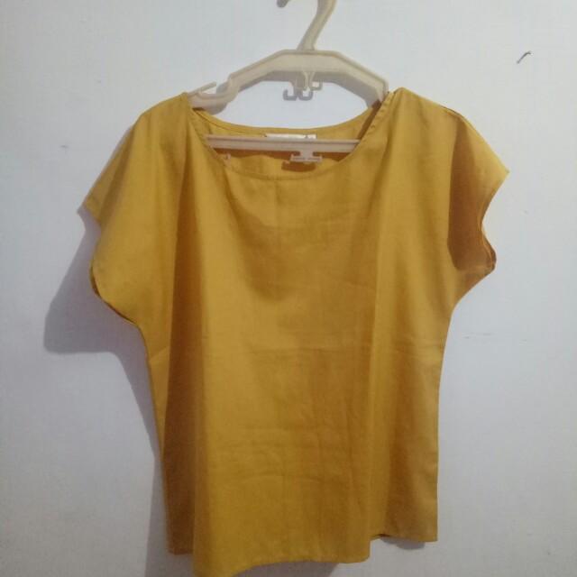Atasan Atmosphere size 8 warna mustard