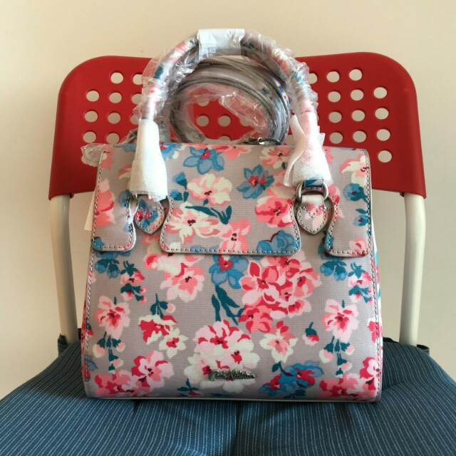 BN Authentic Cath Kidston Woodstock flowers wingrove cross body bag (mink), Luxury, Bags & Wallets on Carousell