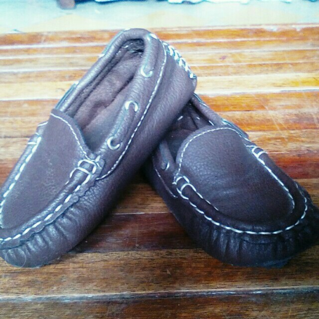 Brown top sider shoes