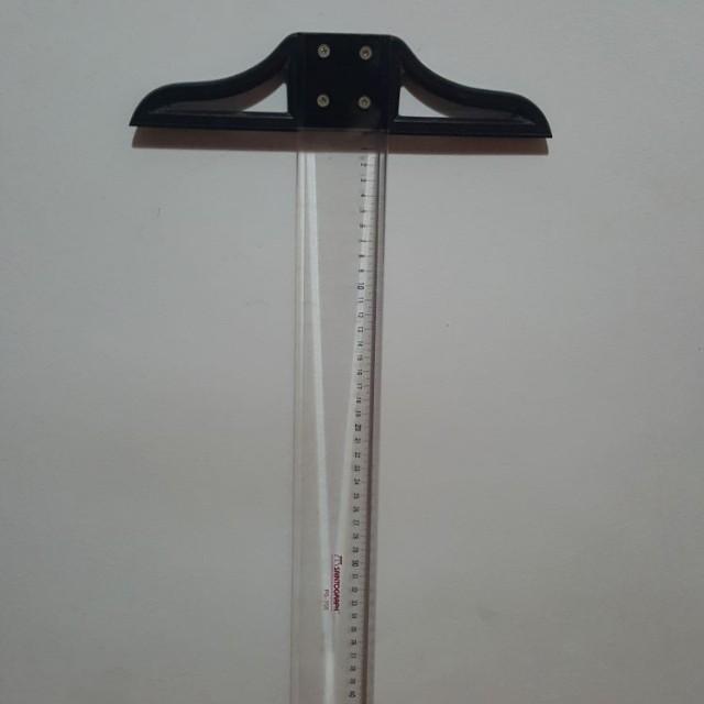 Design / Technical Ruler (T-ruler)