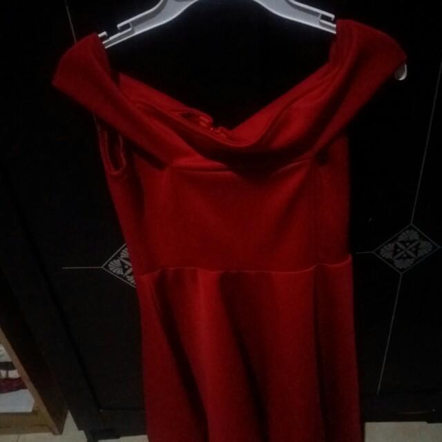 Dresss sabrina merah ( no brand)
