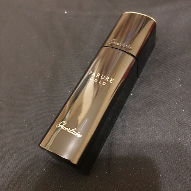 GUERLAIN Parure Gold Radiance Foundation SPF 30