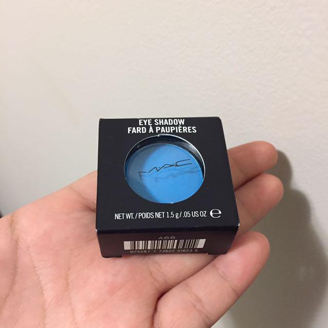 MAC pressed blue eyeshadow