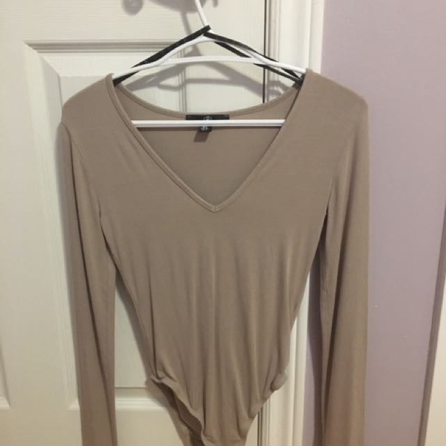 Missguided bodysuit size 4!