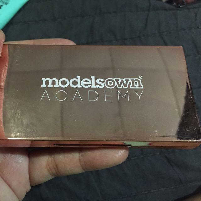 Models Own Chrome Cream Eyeshadow
