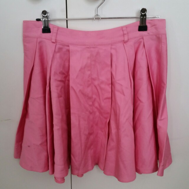 Pink pleated skirt size10