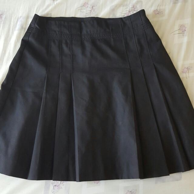 Repriced!! Prada pleated skirt