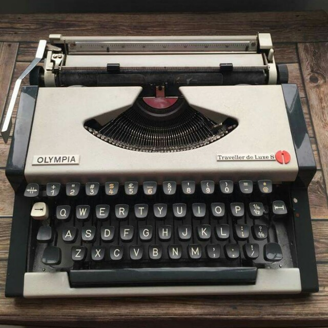 RETRO old-fashioned typewriter