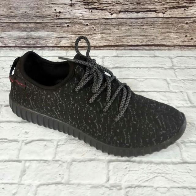 Sepatu adidas yeezy hitam unisex 90ad84a81f