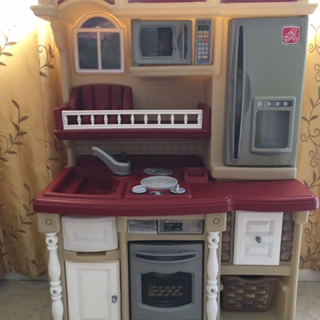 Step 2 Lifestyle Kitchen Playset