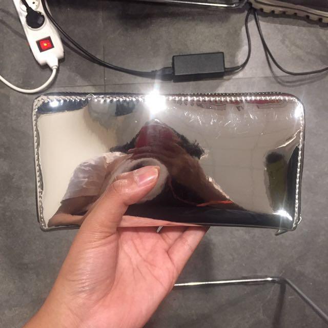 stradivarius hologram silver wallet