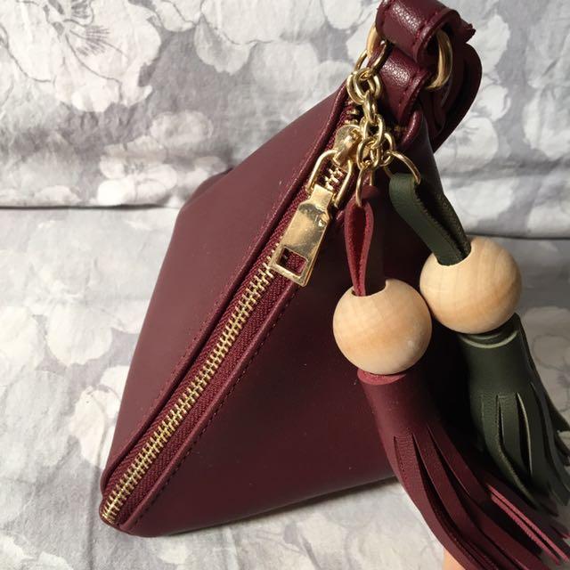 Triangle bag maroon