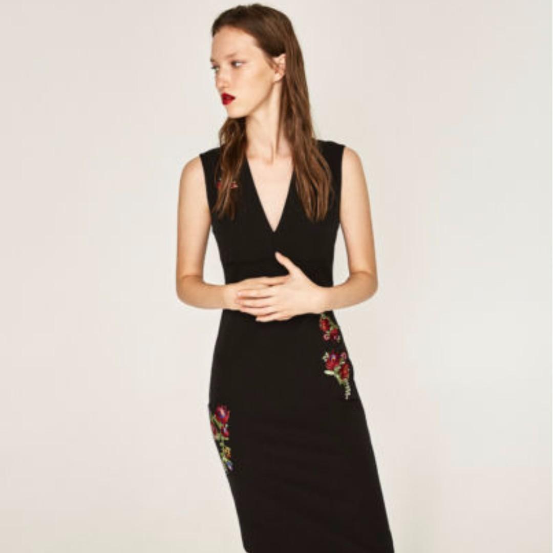 WST 17626 Black V Neck Flower Dress
