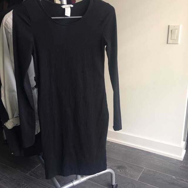 XS/S H&M BODYCON/FITTED LONG SLEEVE BLACK DRESS