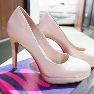 Heels pinky