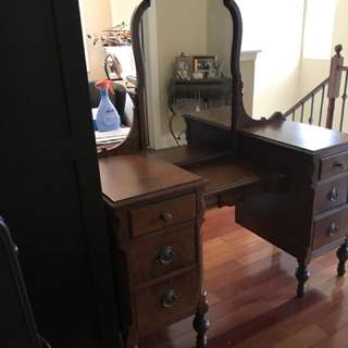 Antique Vanity Table