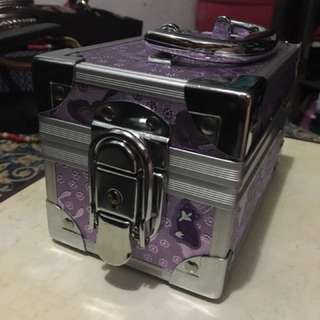 Violet Jewelry Box / organizer