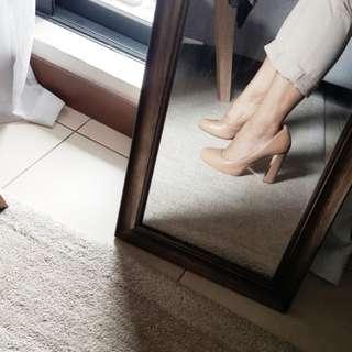 NINE WEST Classic Nude Block Heels