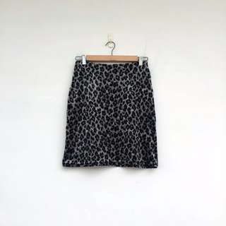 二手 豹紋 騷逼 彈性 短裙