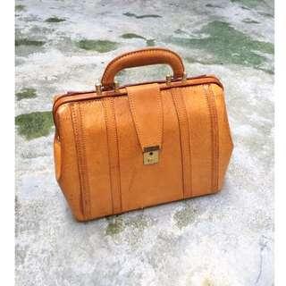 Skin&Moss Vintage古董二手復古Bruno Conti全皮革立體硬殼包手提箱醫生包皮箱古董包