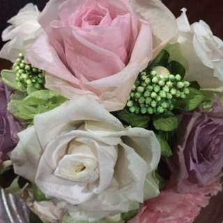 Preserved bouquet flowers