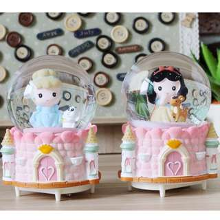DISNEY PRINCESS MUSICAL SNOW GLOBE