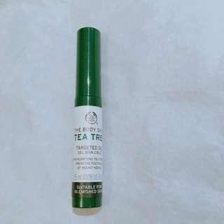 Tea tree oil for acne skin