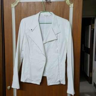 白色薄外套 約m號尺寸