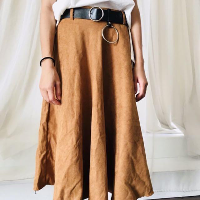 駝色麂皮長裙