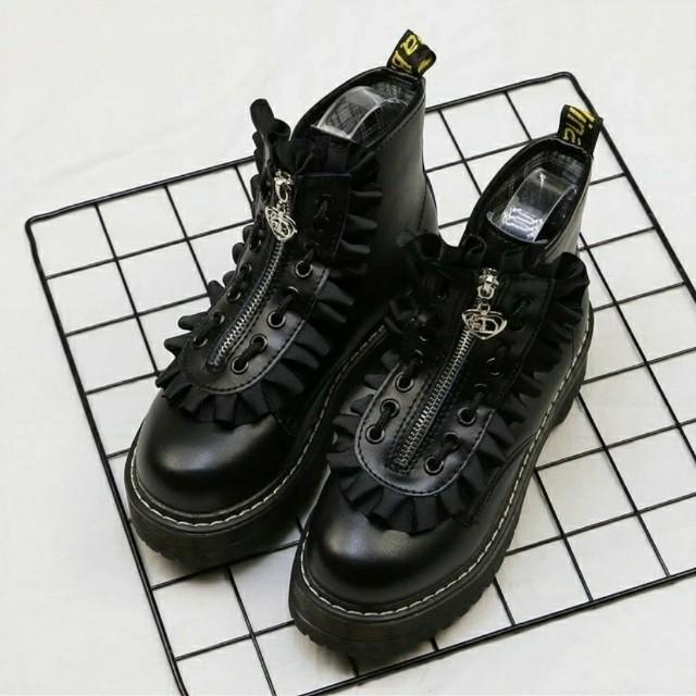 😈2穿愛心花邊厚底馬丁靴 短靴 厚底鞋 預購