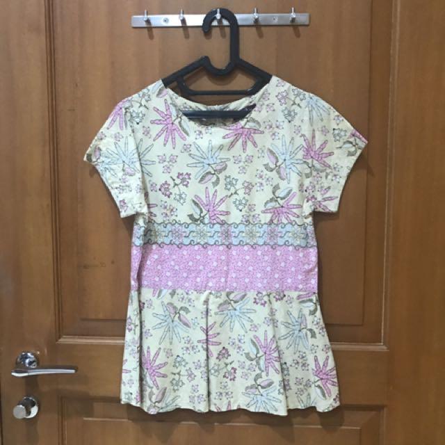 Batik flower top