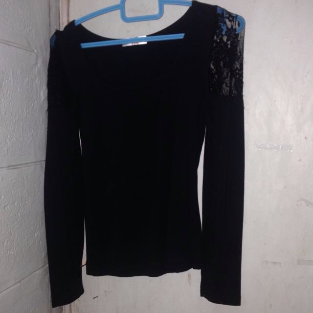 black bodycon longsleeves with lace design