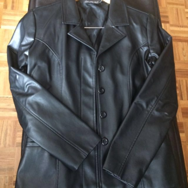 Black faux leather jacket Small size