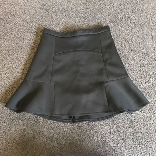 Black mini skirt size 6