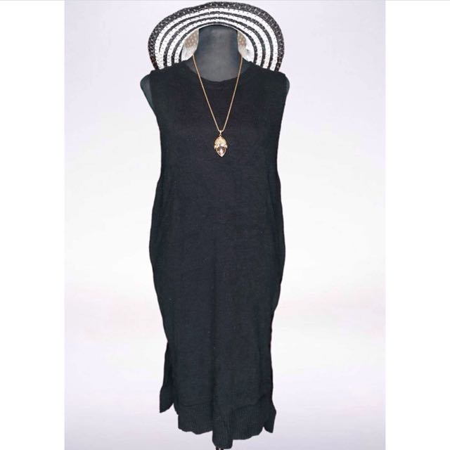 Black Sleeveless Knit Dress
