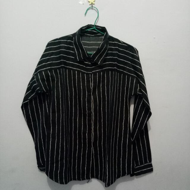 Black-stripes Shirt