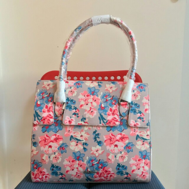 BN Authentic Cath Kidston Woodstock Flowers Wingrove Large handbag (mink), Luxury, Bags & Wallets on Carousell