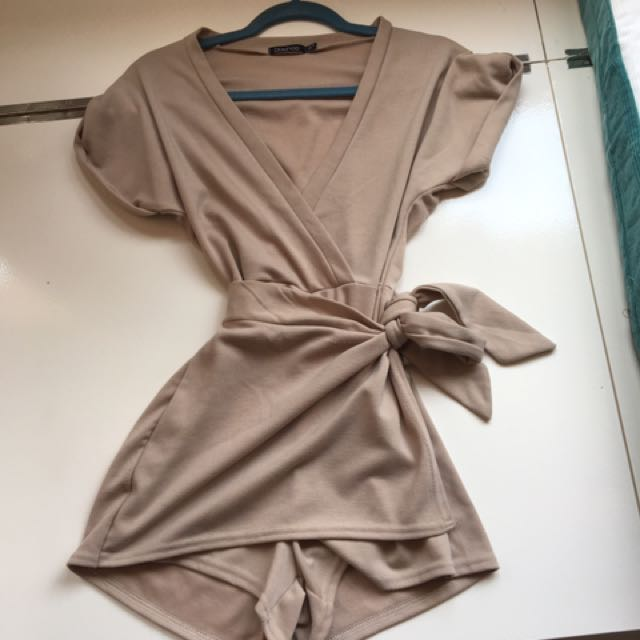 Boohoo beige/nude jumpsuit