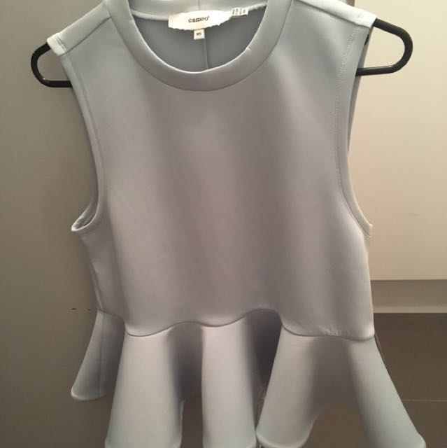 Cameo top size small