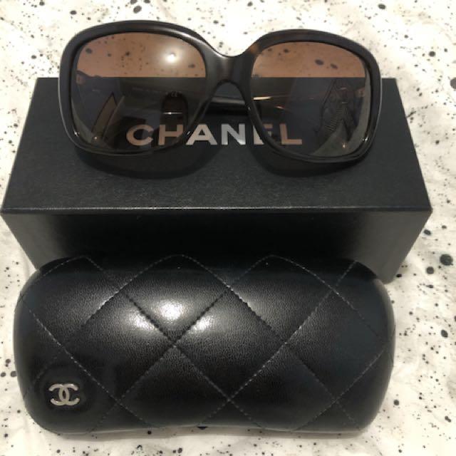 Chanel bow sunglasses