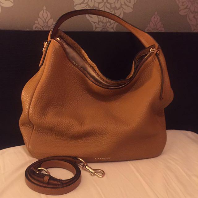 7bb0edd1d7 COACH beautiful camel leather hobo bag